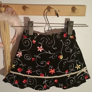 Childrens Place Size 4T Black Embroidered Skirt